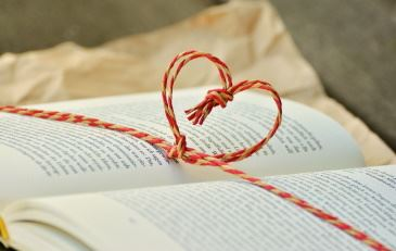 Book_String_Heart_NF
